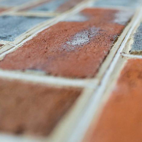 Stuart style woodfired brickwork with white pencilling on ruled joint profile - side view